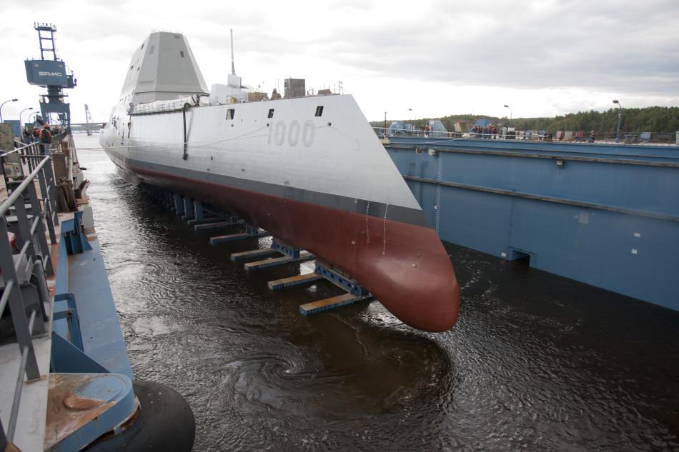 看似先进的美DDG1000和中国军舰比有致命短板