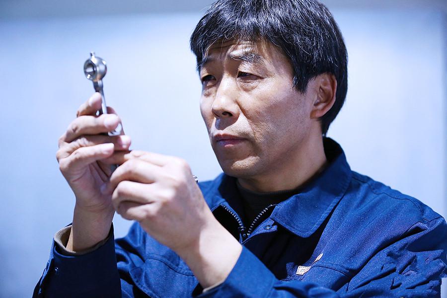 """王福利:首位敢在小型涡喷发动机上""""动刀""""的人"""