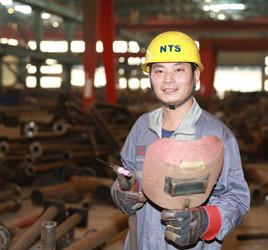 闻炳红:焊接如造艺术品 享受成功的喜悦