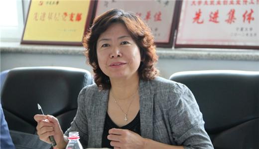 王春秀:心怀群众话民生 情系发展献良策