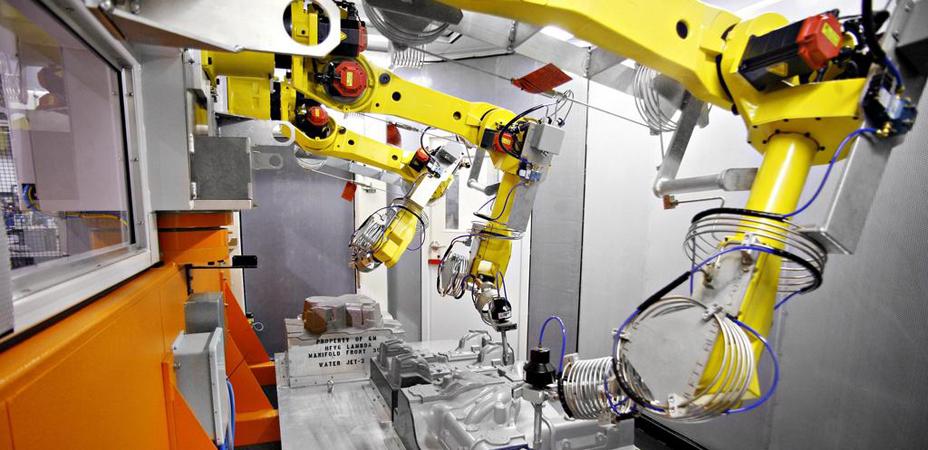 工业机器人与数控机床集成应用发展迅猛 推动机床行业转型升级