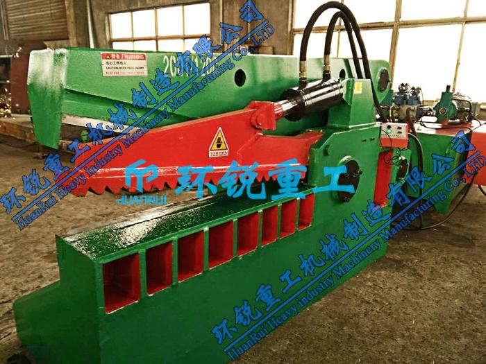 200吨鳄鱼式剪板机